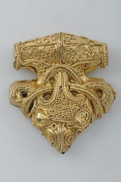 Pendant. Gold, filigree ornamentation. Sigtuna, Uppland, Sweden. Viking