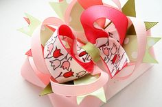 """""""I Like Big Bows"""" A blog all about making gorgeous bows"""