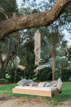 Chase & Maggie's Lowndes Grove Plantation wedding in Charleston, South Carolina by Ava Moore Photography Backyard Swings, Backyard Trees, Outdoor Trees, Garden Swings, Garden Hammock, Diy Hammock, Backyard Seating, Outdoor Hanging Bed, Hanging Beds