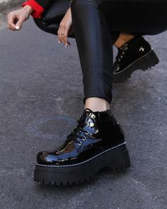 MIRKO CHAROL🤩 . . . . . . . #charol #acordonados #borcegos #zapatosotoño #shoesstyle #moda #mujer #estilo Biker, Shoes, Fashion, Patent Leather, Tumblr Clothes, Zapatos, Hipster Stuff, Style, Women