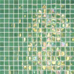 Glasmosaik Shine Turkosgrön 1,5x1,5 - Mosaik - Kakel & Klinker - Bygghemma.seArtnr. HK-300MEA1) Glasmosaik Shine Turkosgrön 1,5x1,5 med slät, sidenmatt yta och mjuka kanter monterade på nät. Mosaiken är en mix av nästan grönt turkosa nyanser med en marmorering och ett skimmer med sådan glans att man påminns om insidan på ett snäckskal eller pärlor. Passar alldeles utmärkt ovanför diskbänk i ett kök eller ger ett riktigt häftigt intryck på ett hellagt badrumsgolv.