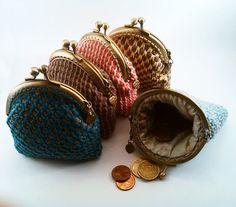 Monedero de crochet turquesa y marrón por NiceOstrich en Etsy