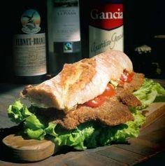 El sandwich de milanesa es un clásico en Argentina, a tal punto que ¡quieren declarar el Día Interna... - Rebañando