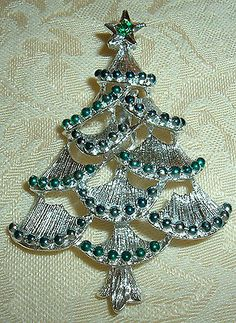 BEAUTIFUL VINTAGE GERRY'S SILVER TONE CHRISTMAS TREE PIN BROOCH!~COLLECTIBLE