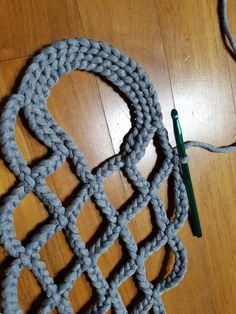 NaLaN& World: Tricotons un sac en filet . Crochet Shawl Diagram, Tunisian Crochet, Knit Crochet, Japanese Crochet, Crochet Market Bag, Bag Pattern Free, Knit Basket, Diy Handbag, Finger Knitting