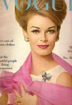 Anne de Zogheb (Mrs. Paul Anka) in jewelry by David Webb, cover photo by Bert…