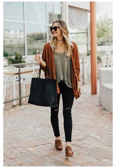Orange Cardigan Outfit, Rust Cardigan, Cardigan Outfits, Winter Cardigan Outfit, White Cardigan, Cardigan Fashion, Fall Winter Outfits, Autumn Winter Fashion, Spring Outfits