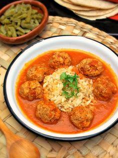lacocinadeleslie.com albondigas al chipotle (mexican meatballs)