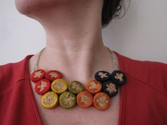 Wine Cork #embroidery #tutorial to make cork jewelry (or magnets?) (Also would look cute with embroidered hearts) #corks