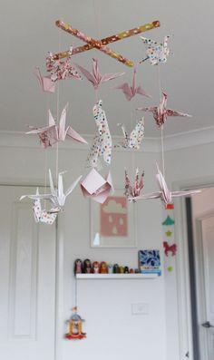 Diy Mobile, Origami Mobile, Diy Origami, Crane Mobile, Huge Houses, Oragami, Moving House, Baby Shower, Diy Baby