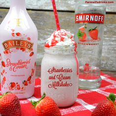 Baileys Strawberries and Cream Milkshake - Strawberry Vodka Milkshake - Baileys Strawberries and cream milkshake combines vanilla ice cream, strawberry vodka, frozen strawberries and Baileys strawberries and cream for a boozy strawberry milkshake. Baileys Milkshake, Baileys Drinks, Baileys Recipes, Liquor Drinks, Milkshake Recipes, Milkshakes, Alcoholic Drinks, Beverages, Eggnog Drinks