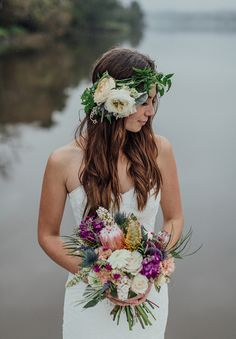 Bride's Bouquet What Should You Consider When Choosing Bridal Flowers? Wedding days are considered as one of the most special and unique days in their lives fo. Shed Wedding, Boho Wedding, Floral Wedding, Dream Wedding, Wedding Day, Wedding Ceremony, August Wedding, Wedding Stuff, Wedding Inspiration