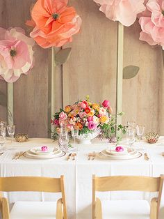 Having A Spring Wedding? Steal These So-Cute Ideas #refinery29  http://www.refinery29.com/100-layer-cake/32#slide3