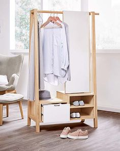 Odkryj to właśnie w Tchibo. Kawa, dom i mieszkanie, sport, technika, moda. Simple Furniture, Deco Furniture, Furniture Design, Home Decor Bedroom, Room Decor, Wood Shelving Units, Wooden Wardrobe, Minimalist Room, Beautiful Interior Design
