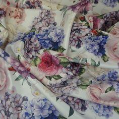 Cetim Bucol Estampado Floral Branco - Lotex Tecidos