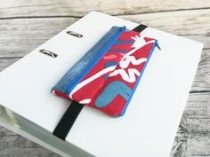 Doppel-Pennal rot-blau Reading Glasses, Red And Blue, Etsy, Knives, Red, Blue, Beautiful Bags, Pens