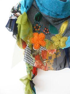 Triangle shawl, triangular scarf, patchwork scarf, shawl draped, women's clothing, women's accessories, shoulder wrap, gray, orange, green