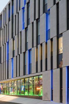 Gallery of Atrium Amras / Zechner & Zechner - 7 - New Ideas Office Building Architecture, Open Architecture, Architecture Building Design, Commercial Architecture, Building Facade, Facade Design, Architecture Details, Architecture Diagrams, Office Buildings