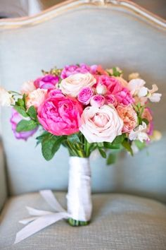 Pink peony and rose bouquet | photography by http://oneandonlyparisphotography.com/blog/ and http://www.lesecretdaudrey.com/