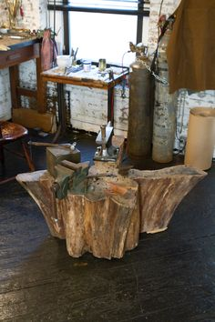 great stump. I use a stump to smash, pound and hammer but it's not this big, I'd love this one