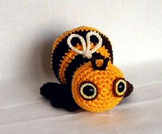 This little bee is so lovely - a Ravelry pattern costs $5 (I'm not selling it, just like it!)