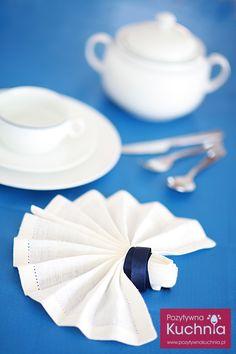 Jak złożyć serwetkę w bukiet - #poradnik składanie serwetek w bukiet krok po kroku  http://pozytywnakuchnia.pl/serwetka-bukiet/  #dom #home #decor