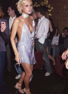 Kendall Jenner Channels Paris Hilton With Her Birthday Ensemble Very 2002 vibes. 2000s Fashion, High Fashion, Fashion Beauty, Paris Hilton Style, Paris And Nicole, Vetement Fashion, Oldschool, Kendall Jenner Outfits, Girl Smoking