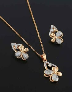 Jewelry OFF! Anuradha Art Jewellery offers beautiful collection of stylish pendant set. We have range of western classic funky trendy pendant set. To see more designs visit our website: anuradhaartjewell. Gold Initial Pendant, Letter Pendant Necklace, Initial Necklace Gold, Gold Necklaces, Pendant Set, Necklace Set, Danty Necklace, Gold Pendants, Letter Pendants