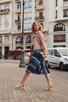 Midi Skirt, Skirts, Style, Fashion, Swag, Moda, Midi Skirts, Fashion Styles, Skirt