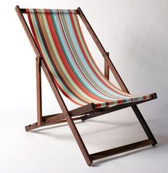love these old-fashioned chairs. I want a vintage beach chair!