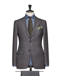 Medium Grey Micro Structure Saxony Super120 280g 100% Wool. Code 4686