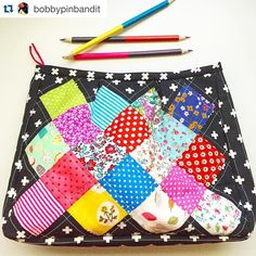 There's been a lot of getting ready to move going on here, and not a lot of sewing, so I was extra thrilled to see @bobbypinbandit's darling Hazel pouch! How great are those colors with the black sides! Too perfect! #hazelpouchtrio #cloverandvioletpatterns #patchworkpouch #zipperpouch #candvmadebyyou