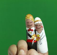 Bride And Groom Finger Painted - http://weddingsinthesky.blogspot.com/2013/01/wedding-photographer-sued-by-couple.html #Wedding #Photography #Art #Marriage