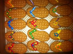 Had fun making these cookie sandals for our Hawaiian theme party.