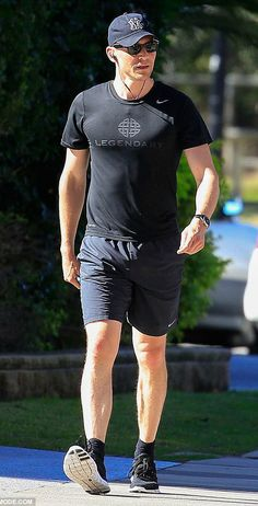 Tom Hiddleston on the Gold Coast in Australia to film Thor: Ragnarok. Source: Daily Mail http://i.dailymail.co.uk/i/pix/2016/07/09/05/361801FC00000578-3681882-Going_solo_His_girlfriend_Taylor_Swift_was_nowhere_to_be_seen_du-m-31_1468039068211.jpg