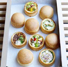 LES BOLS DE JEAN 2 rue de Choiseul, Paris (Métro Quatre Septembre) Le restaurant est ouvert du lundi au vendredi de 8h à 16h. Bol dès 7 euros.