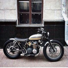 Amazing 30 Most Favorite Custom Honda CB Motorcycle Ideas - Awesome Indoor & Outdoor Cafe Racer Honda, Cafe Bike, Cafe Racer Build, Cafe Racer Bikes, Brat Bike, Scrambler Motorcycle, Motorcycle Art, Cool Motorcycles, Vintage Motorcycles