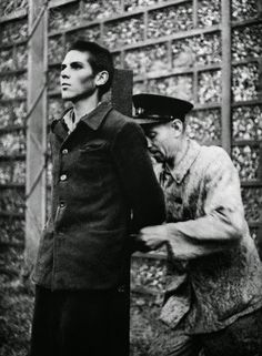 French Militiaman is Fastened to Stake Before his Execution, France, European History, World History, World War Ii, Nuremberg Trials, War Photography, Military History, Historical Photos, Wwii, Beast