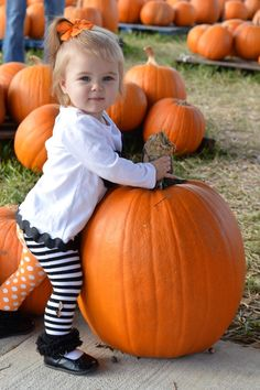 must-take photos at your local pumpkin patch!