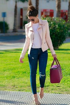 Just a pretty style | Latest fashion trends: Street style | Pastel pink leather jacket with jeans and studded heels