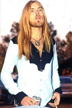 Gregg Allman of the Allman Brothers Band. Photo by Sidney Smith. Rock N Roll Music, Rock And Roll, Sidney Smith, Berry Oakley, Allman Brothers, Kid Rock, Greggs, Blues Rock, Music Icon
