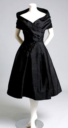 Fashion ala Sandra / Vintage 1950s Christian Dior black cocktail dress