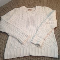 Michael Kors white pull over sweater White ribbed pull over sweater. In great condition....only wore item once or twice. The sweater is heavy feeling. No stains or snags Michael Kors Sweaters Crew & Scoop Necks