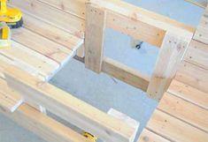 На основания столика набиваем доски 1. Patio Bench, Chair Bench, Diy Outdoor Furniture, Bench Plans, Lawn And Garden, Deco, Palette, Woodworking, How To Plan