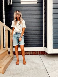 xo, mrs measom casual summer outfit Source by xomrsmeasom shorts outfit Modest Summer Outfits, Summer Shorts Outfits, Short Outfits, Spring Outfits, Casual Outfits, Cute Outfits, Modest Dresses, Casual Shorts Outfit, Modest Shorts