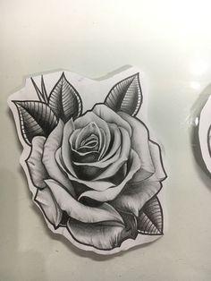 Skull Rose Tattoos, Rose Tattoos For Men, Body Art Tattoos, Sleeve Tattoos, Tattoos For Guys, Black Rose Tattoos, Tatoos, Rosen Tattoo Mann, Rosen Tattoo Frau