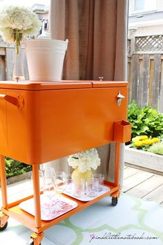 Cooler repainted with Rust-Oleum Spray paint for some backyard summer entertaining! Before and after pictures www.pinklittlenotebook.com