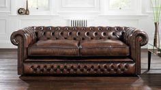 трехместный кожаный диван в английском стиле из натуральной итальянской кожи OLD TOBACCO с эффектом под старину.