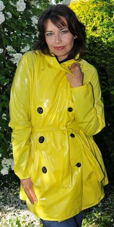 Vinyl Raincoat, Plastic Raincoat, Pvc Raincoat, Yellow Coat, Yellow Raincoat, Rain Fashion, High Fashion, Imper Pvc, Leather Overalls