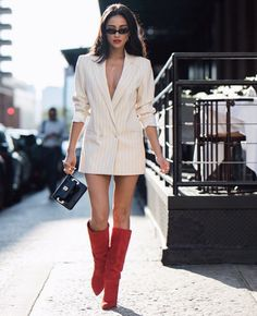 Shay Mitchell wore knee-high oil boots during the NYFW - . - Shay Mitchell wore knee-high oil boots during NYFW – # - Street Style Outfits, Edgy Outfits, Outfits For Teens, Fashion Outfits, Fashion Tips, Fashion Bloggers, Street Outfit, Street Wear, Fashion Trends